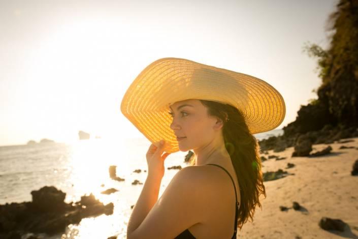 Tara & Mike honeymoon photography shoot in Krabi around Koh Porda and Railay beach during sunset.