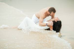 Larisse & Dustin's come fo honeymoon photo shooting in Phuket Thailand in KaTa beach.