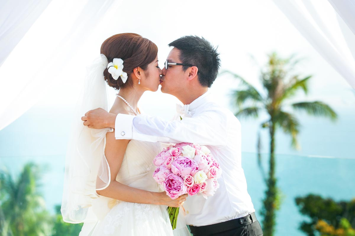 Tim with Cat 's wedding photography in Samui Thailand