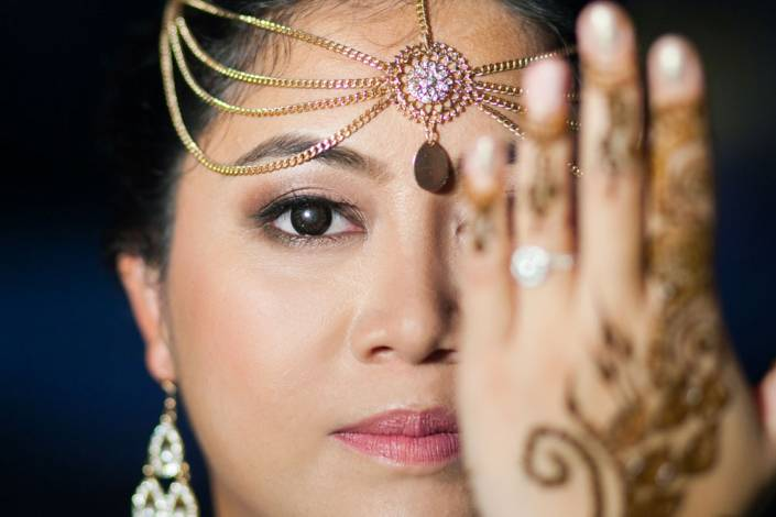 Nisha and Vikash indian wedding on Mehendi night party photographyThailand Indian Wedding