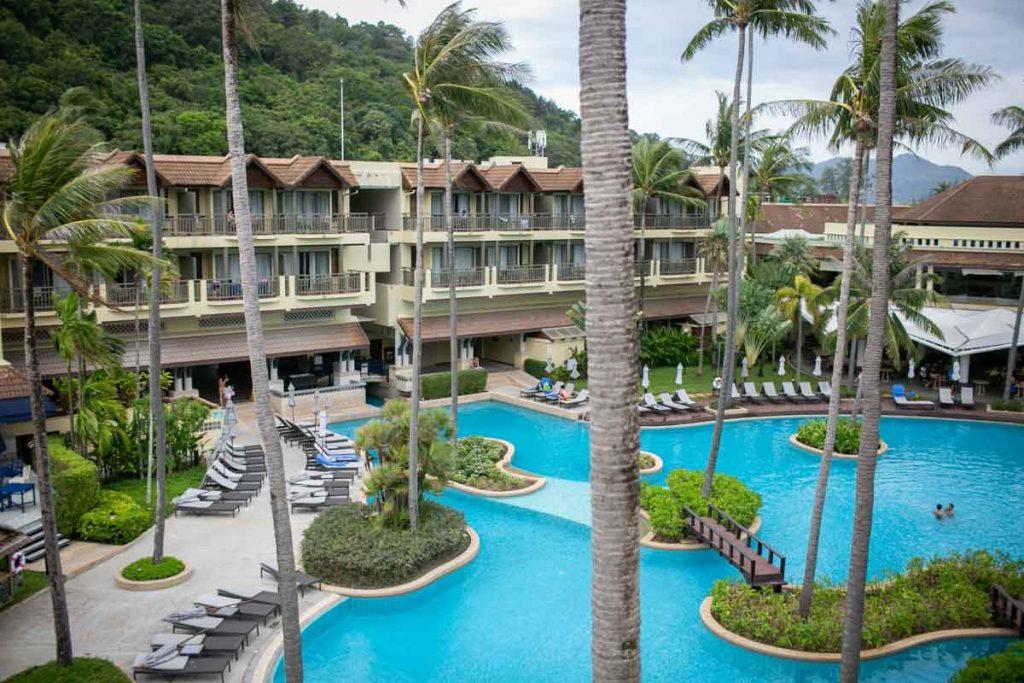 JW Mariott Merlin beach hotel the wedding venue for Brittay and Ben.